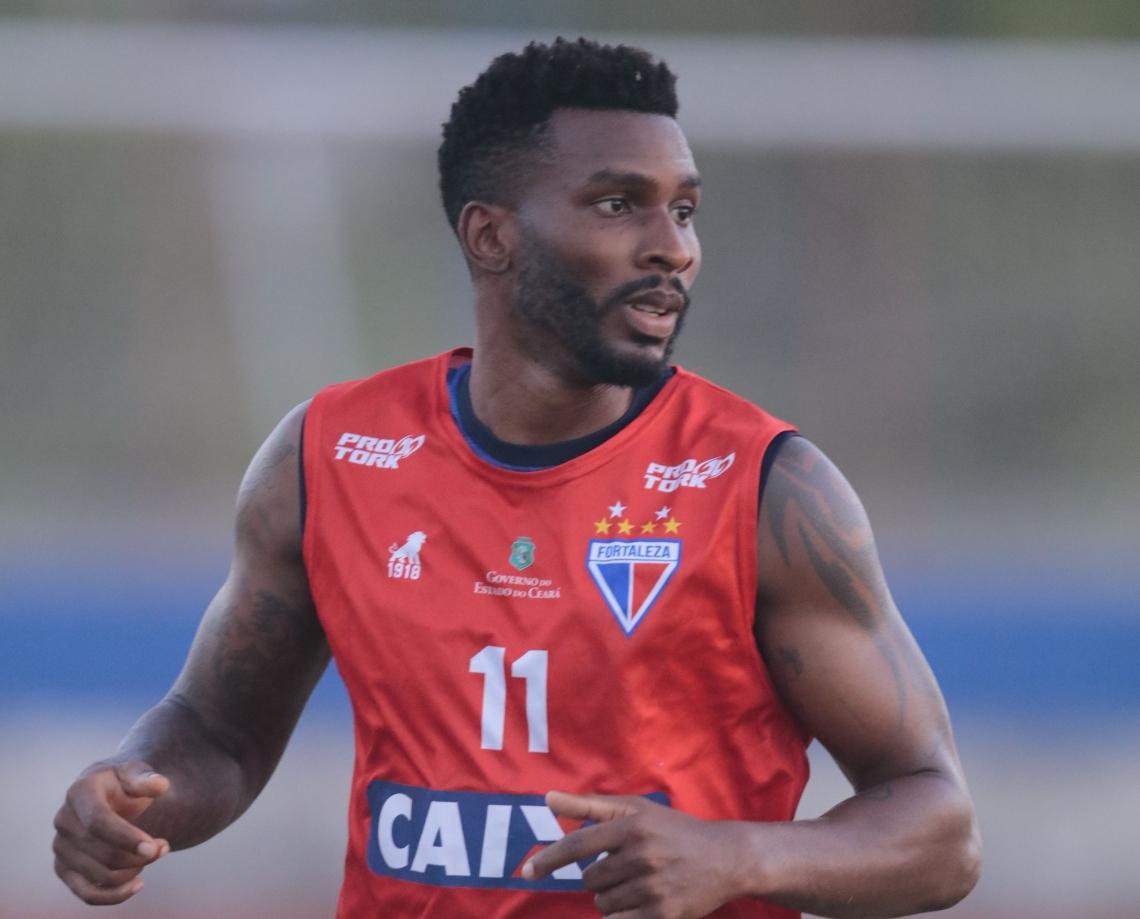 Zagueiro fez 42 jogos pelo Leão em 2018