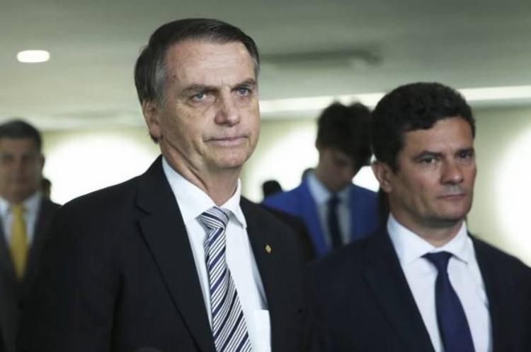 """""""Acredito nele. E o Brasil deve muito a Moro"""", disse Bolsonaro"""