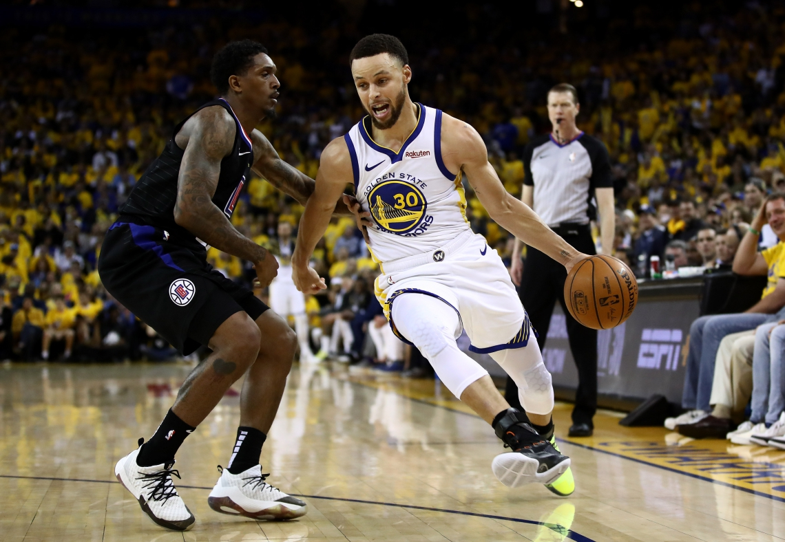 Partida entre Golden State Warriors e Los Angeles Clippers, válida pela NBA      Caption