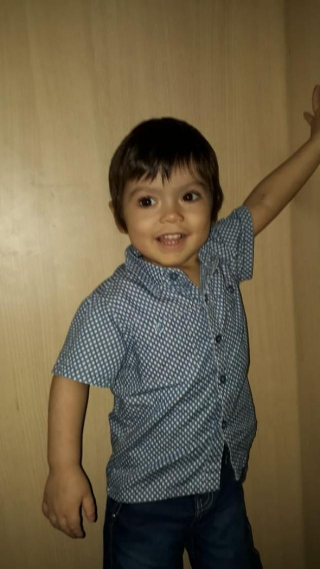 Miquéias tem apenas um ano e nove meses de idade e, desde os seis meses, trava uma luta contra a leucemia.