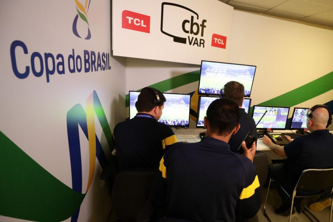 Sala do Árbitro de Vídeo utilizada na Arena Corinthians, para a Copa do Brasil