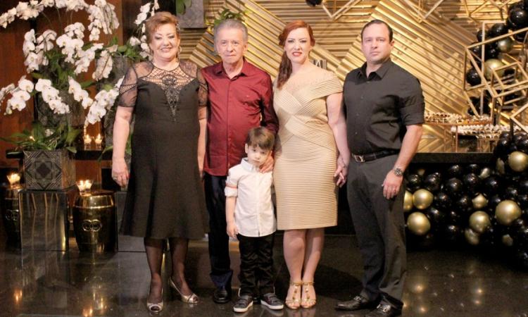 Vera, Majela Felix, Aline e Igor Barroso com  Victor