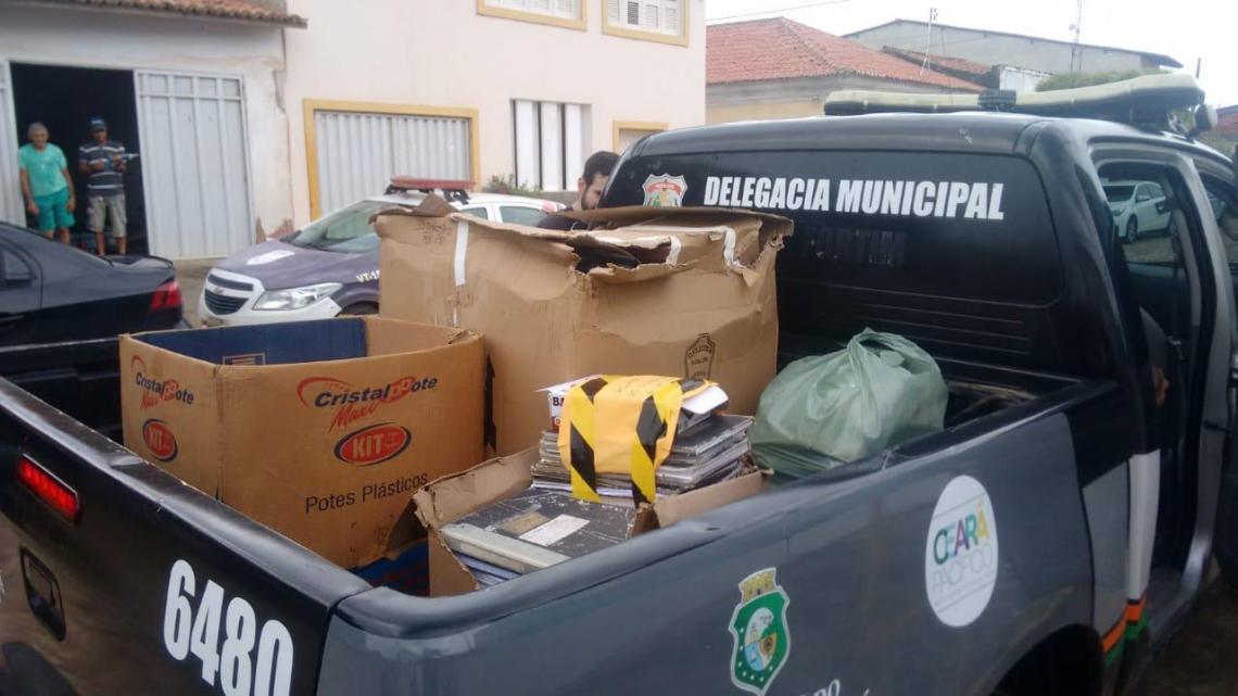 Operação para desmonte de um esquema de corrupção na Guarda Municipal e no Departamento Municipal de Trânsito (Demutran) do município de Aracati acontece na manhã desta quarta-feira, 22.