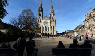 Com seu estilo, a Catedral de Notre-Dame de Chartres exerceu influência direta na Catedral Metropolitana de Fortaleza.
