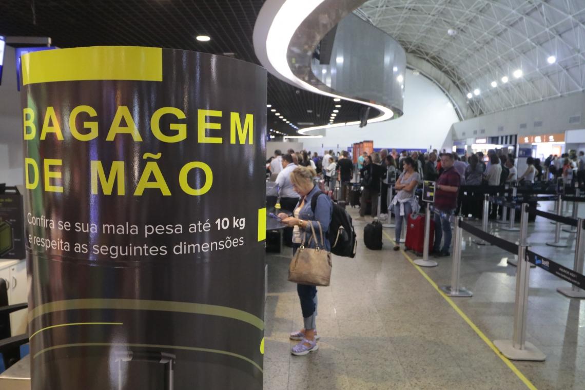 O CONSUMIDOR deve ficar atento para procurar os órgãos de defesa do consumidor caso não consiga resolver o problema com a companhia aérea