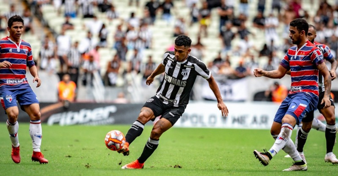 Fernando Sobral tem brigado pela titulares no meio-campo do Vovô