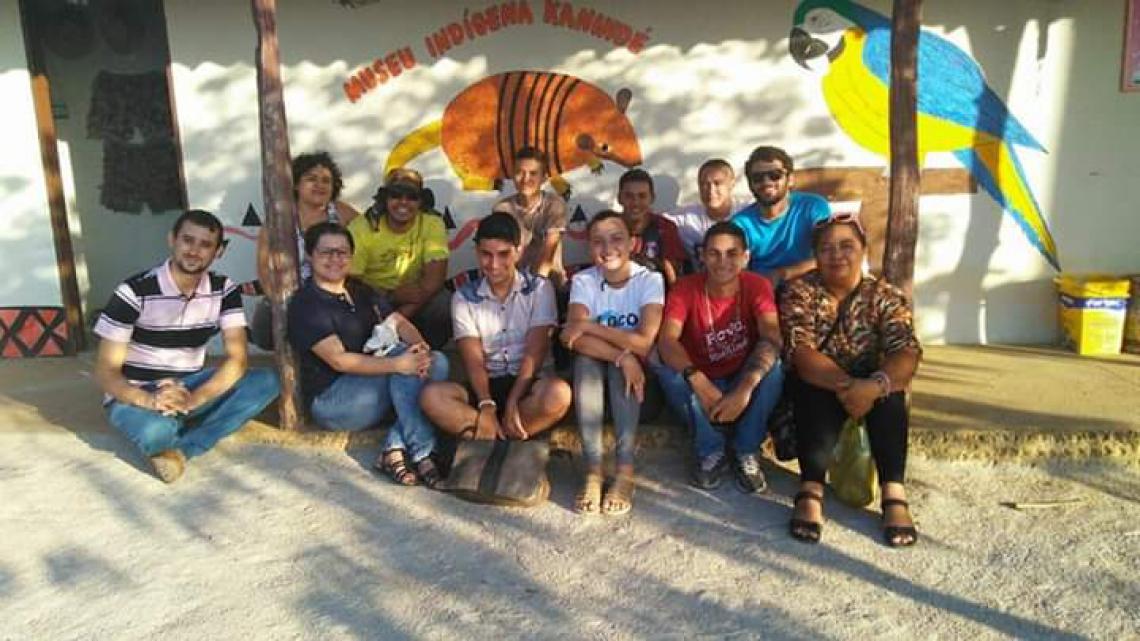Turma de geografia da prfessora Tereza Vasconcelos visita a comunidade dos Kanindé de Aratuba.