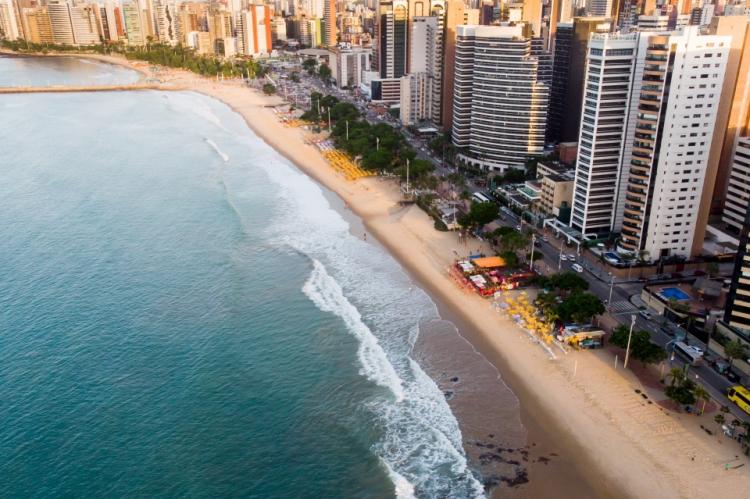 Fortaleza está entre os destinos domésticos mais desejados por turistas brasileiros.