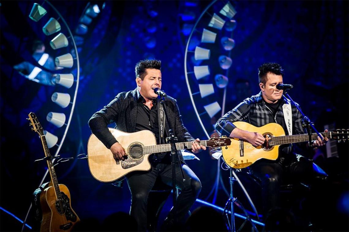"""A dupla Bruno & Marrone acabou de lançar o mais recente trabalho """"Studio Bar"""""""
