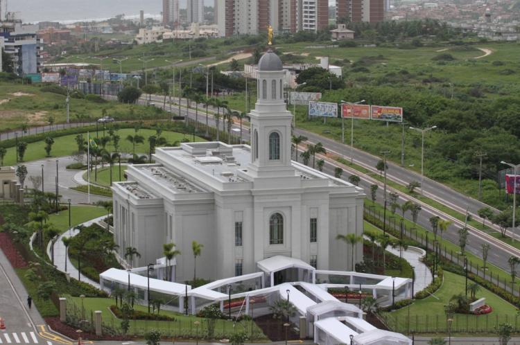 Templo da Igreja de Jesus Cristo dos Santos dos Últimos Dias.  (Foto: Fabio Lima/O POVO)