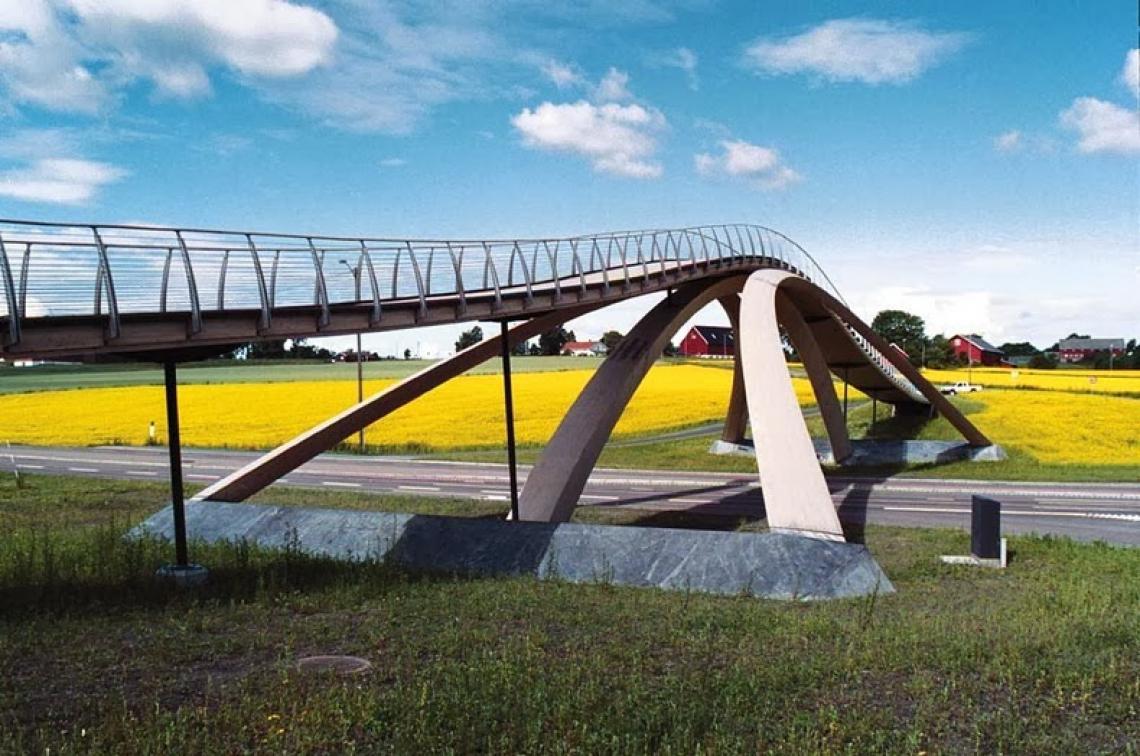 Ponte na Noruega inspirada em desenhos de Da Vinci