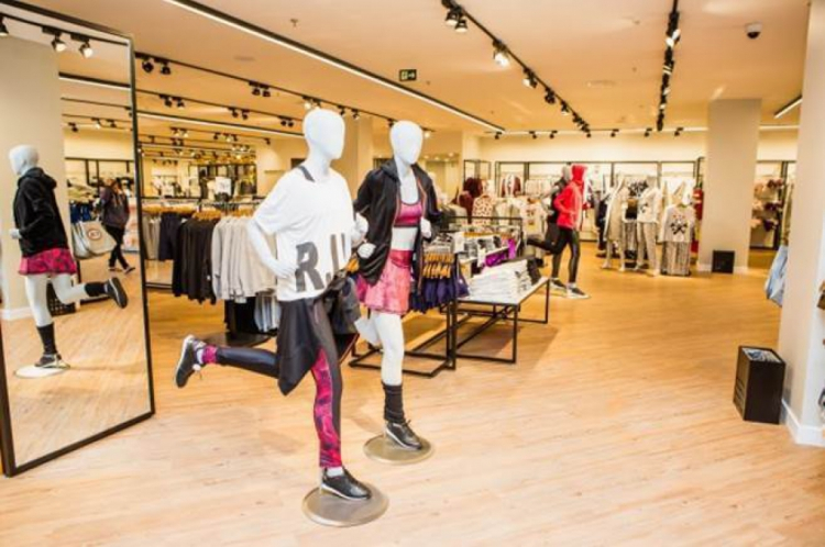 A C&A anunciou a reinauguração de duas lojas no Ceará.