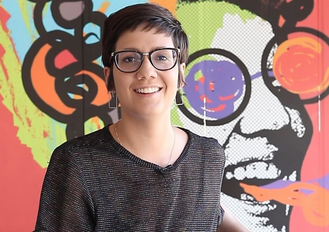Camila Holanda, editora de agenda cultural, comanda o novo programa