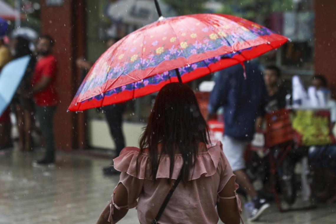 Nuvens no leste do litoral do Ceará são responsáveis pelas chuvas registradas nesta quarta-feira, 14