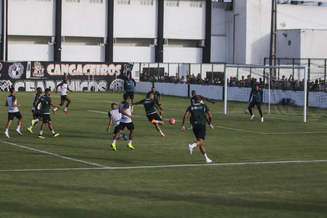 Guto Ferreira planeja treinamentos com o elenco fracionado