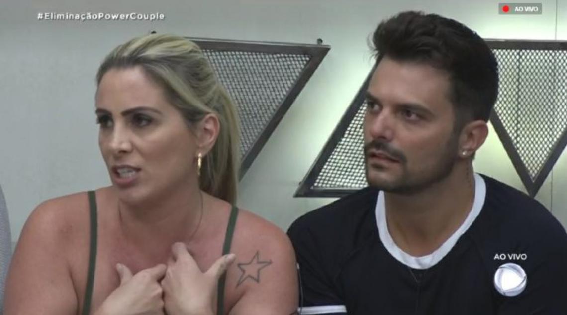 Faby Monarca e Enrico Mansur são o primeiro casal eliminado do Power Couple 2019.