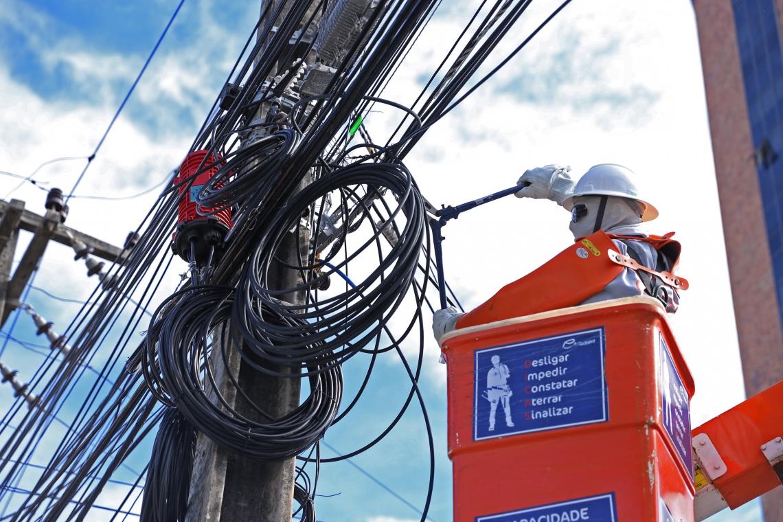 PROBLEMAS na ligação de energia já são maiores neste ano