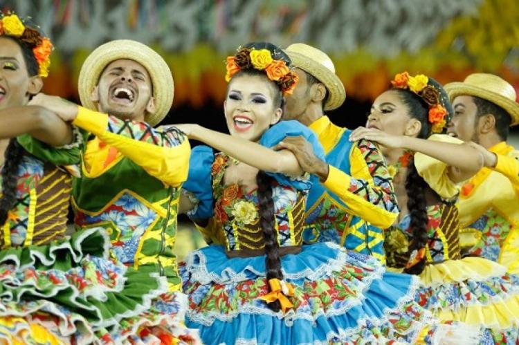 Quadrilhas juninas são tradicionais no Nordeste