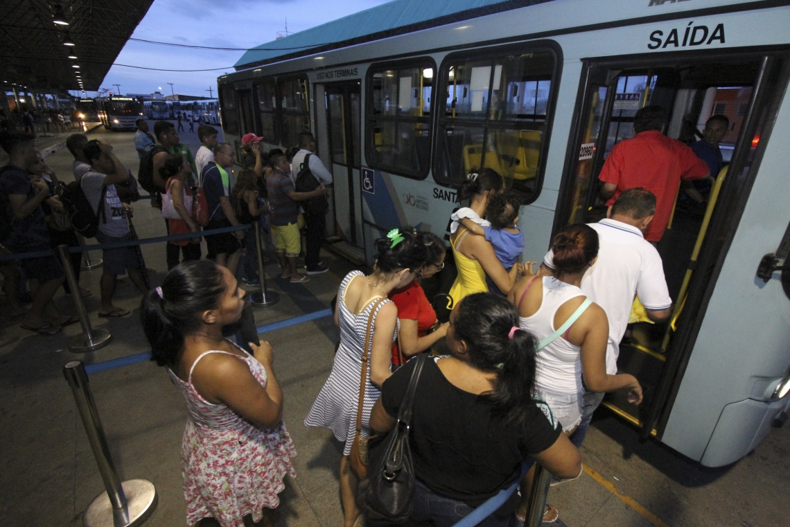 97% das mulheres dizem já ter sido vítimas de assédio em meios de transporte. Outras 71% conhecem alguma mulher que já sofreu assédio em público