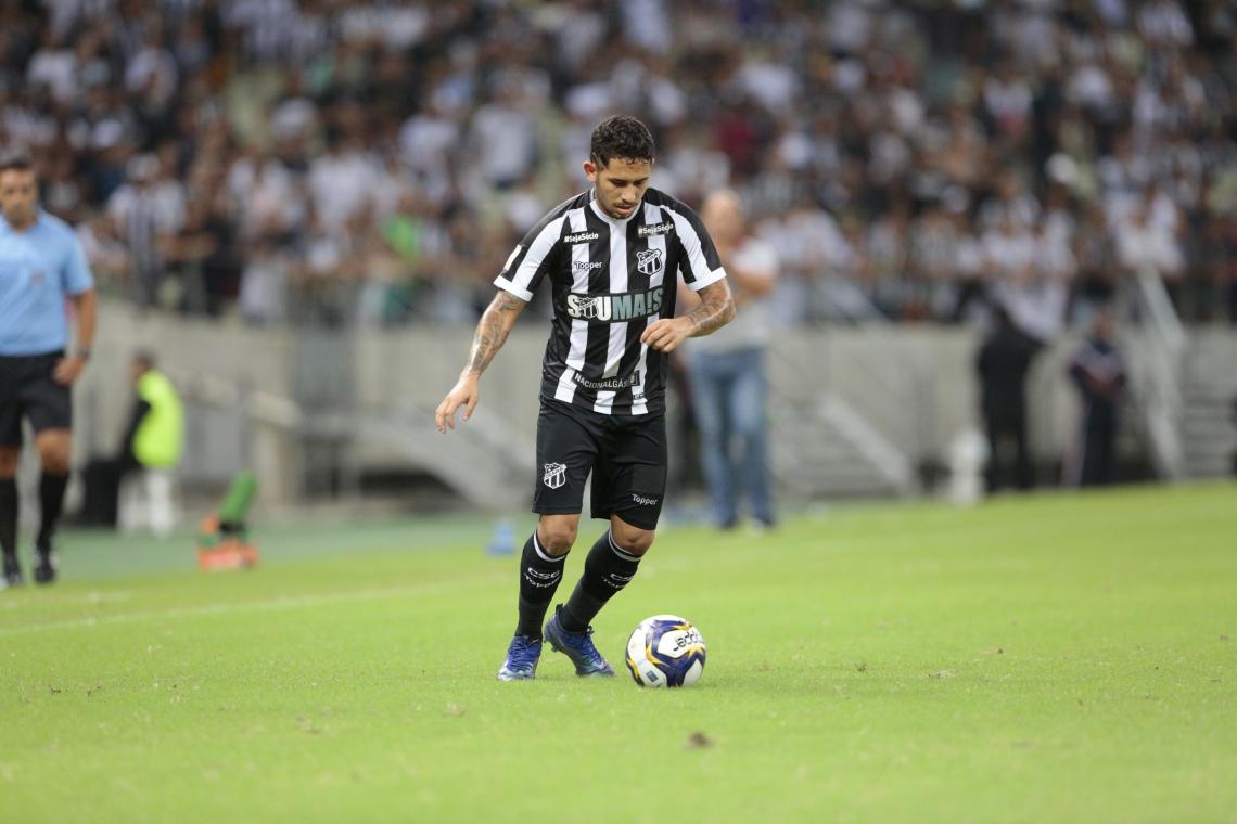Leandro Carvalho marcou o gol de empate contra o Corinthians