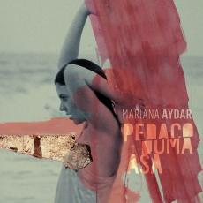 Capa do disco Pedaço de uma Asa, de Mariana Aydar