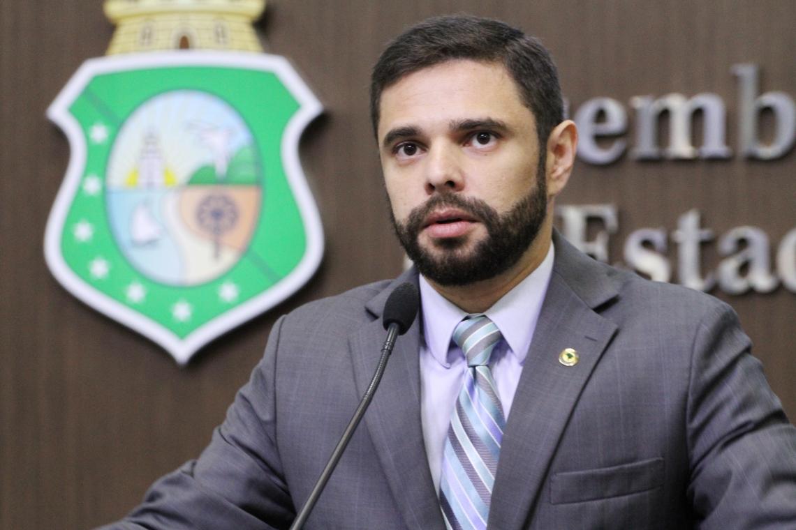 DEPUTADO JÚLIO César Filho, líder do Governo na Assembleia, espera votar dia 19