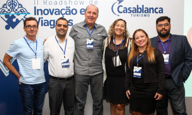 Régis Abreu, Paulo Lobão, Breno Pahim, Bárbara Redes, Camila Fernandes e Tadeu Leandro