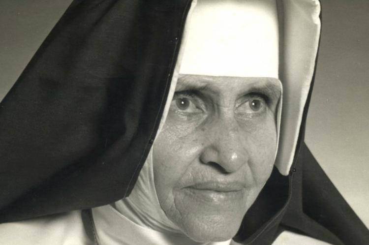 Canonização ocorre 27 anos após a morte da beata Irmã Dulce