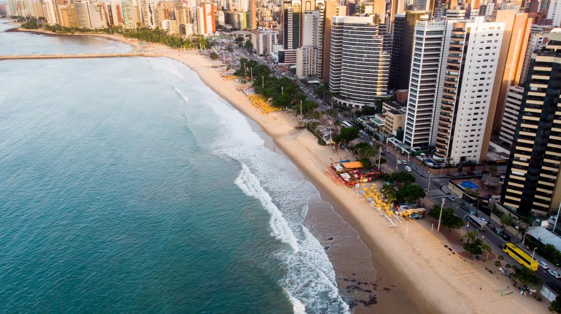 Vista aérea da Beira Mar entre os espigões da Rui Barbosa e Desembargador Moreira