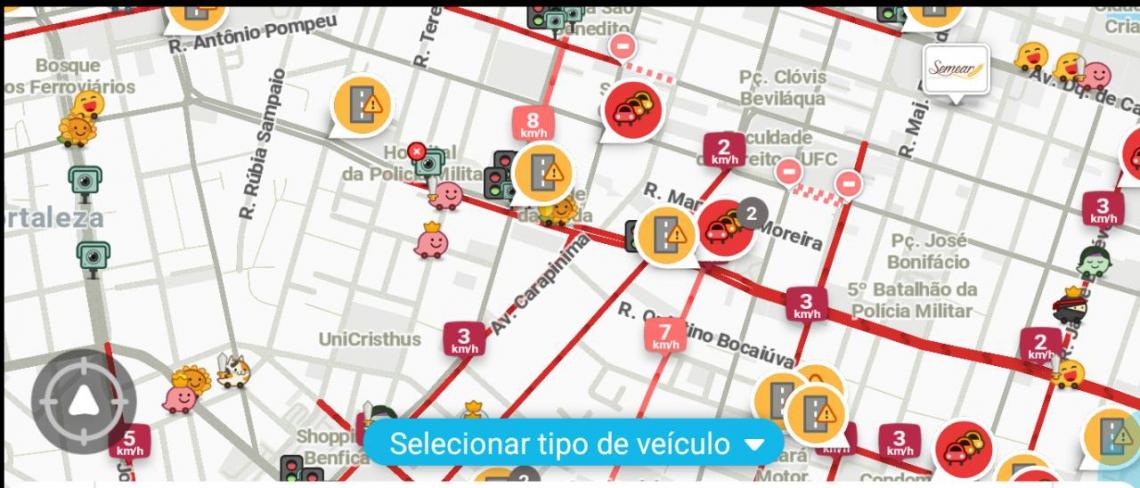 Informações do aplicativo Waze sobre o trânsito da região atualizadas às 9h43min