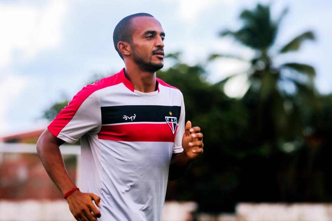 CAXITO marcou o gol da vitória do Ferrão contra o Náutico, em Recife