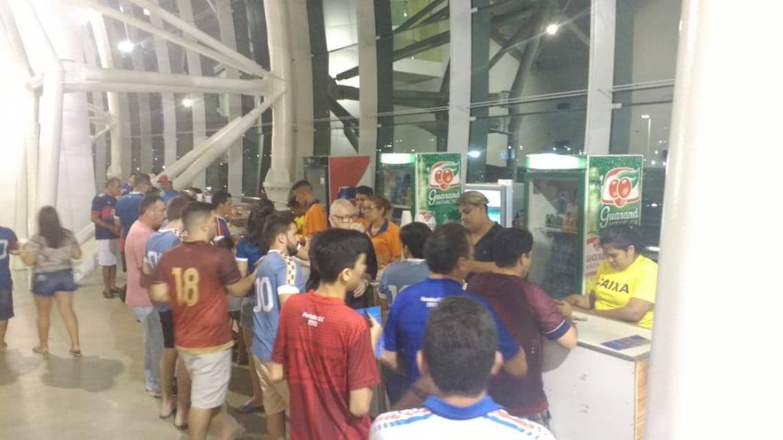 Movimentação da venda de bebidas no Castelão foi boa antes do jogo