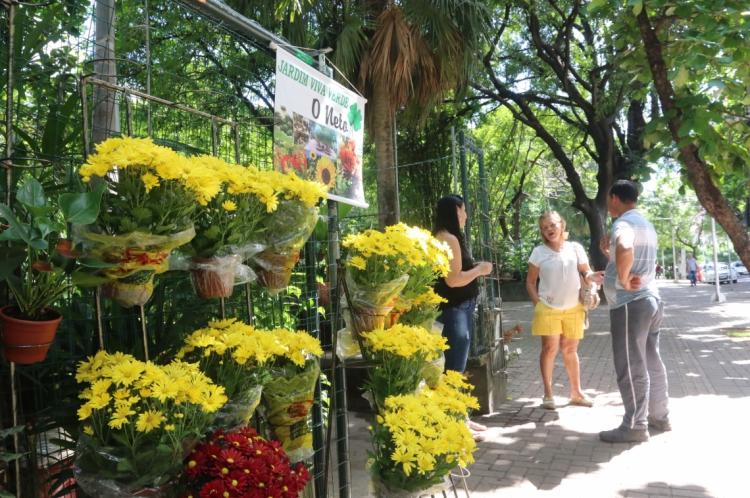A Praça das Flores, entre a avenida desembargador Moreira e a rua Barbosa de Freitas, no bairro Aldeota, foi adotada por uma empresa