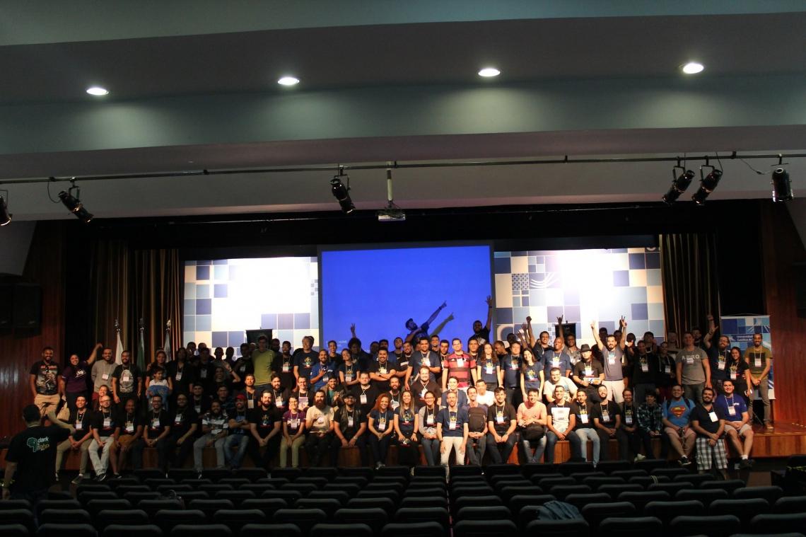 Pela primeira vez em Fortaleza, a Darkmira Tour conta com mais de 32 palestras que discutem temáticas sobre a segurança e a qualidade da internet
