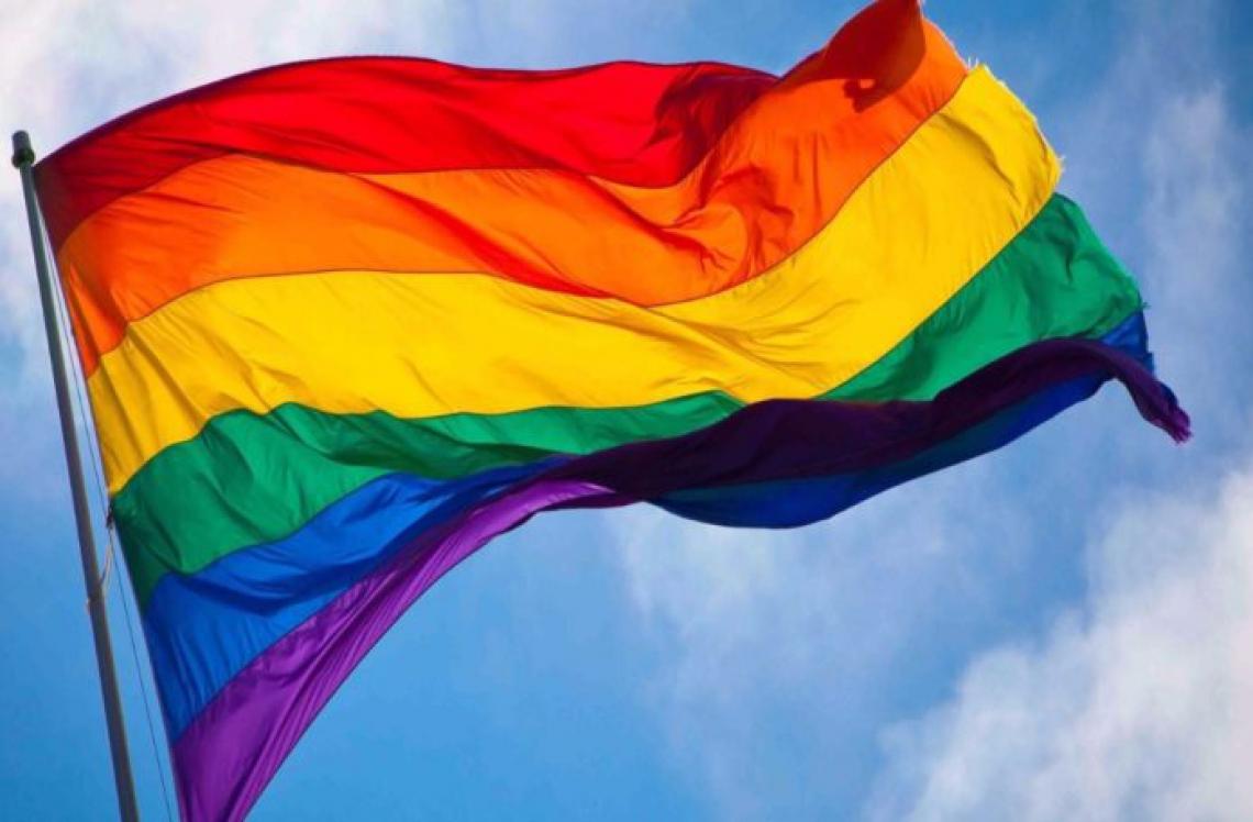 Clubes do futebol brasileiro publicam mensagens em apoio a causa LGBT.