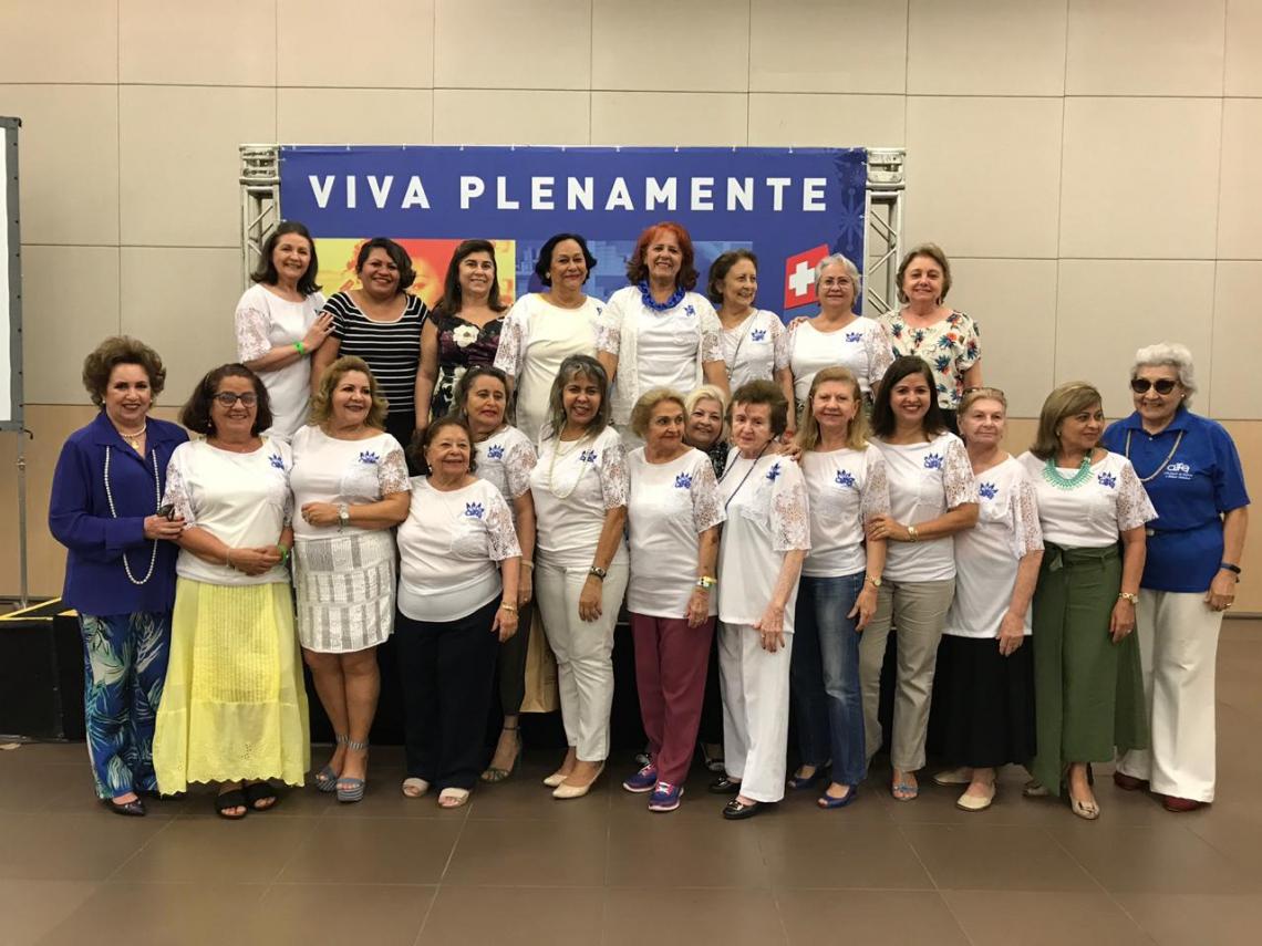 Quando da homenagem, da Alfe, para as organizadoras do 12º Encontro de Mulheres Pague Menos: Auricélia e Patriciana Queirós, Francilene e Aline Alves e Aline Loureiro, Selma Cabral presidente, reuniu o grupo das alfeanas
