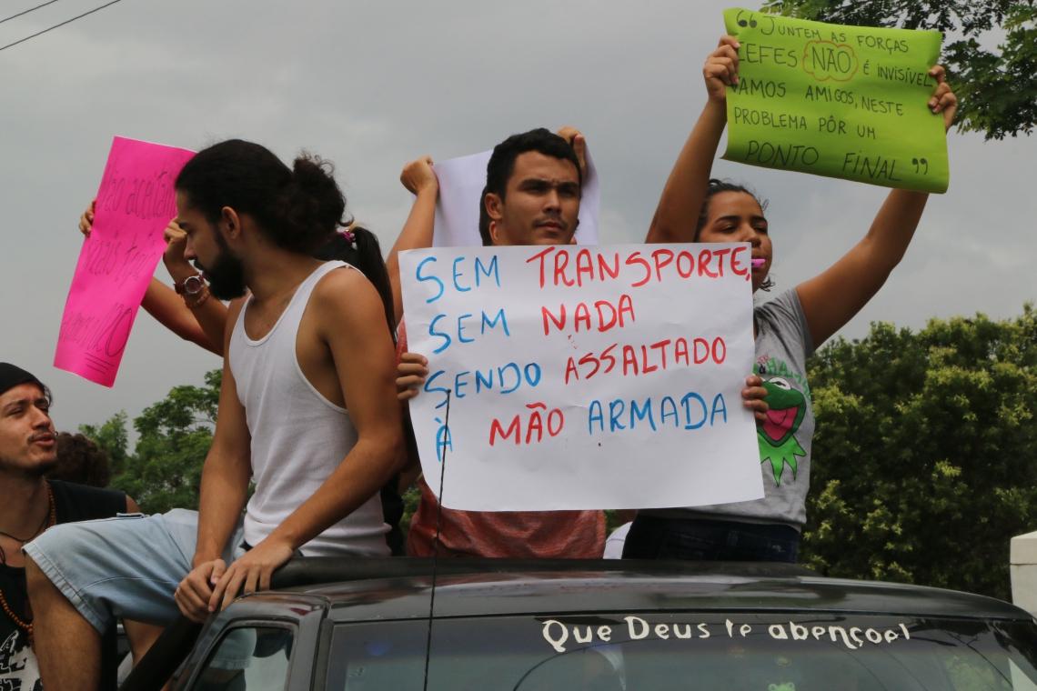 FORTALEZA, CE, BRASIL, 20-05-2019: Alunos do Instituto de Educação Física e Esporte da UFC, fazem manifestação, no Campus do Pici, por falta de segurança. (Foto: Mauri Melo/O POVO).