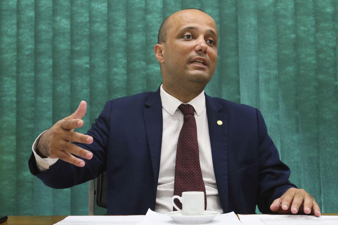 DEPUTADO Vitor Hugo  (PSL-GO) é lider do governo na Câmara