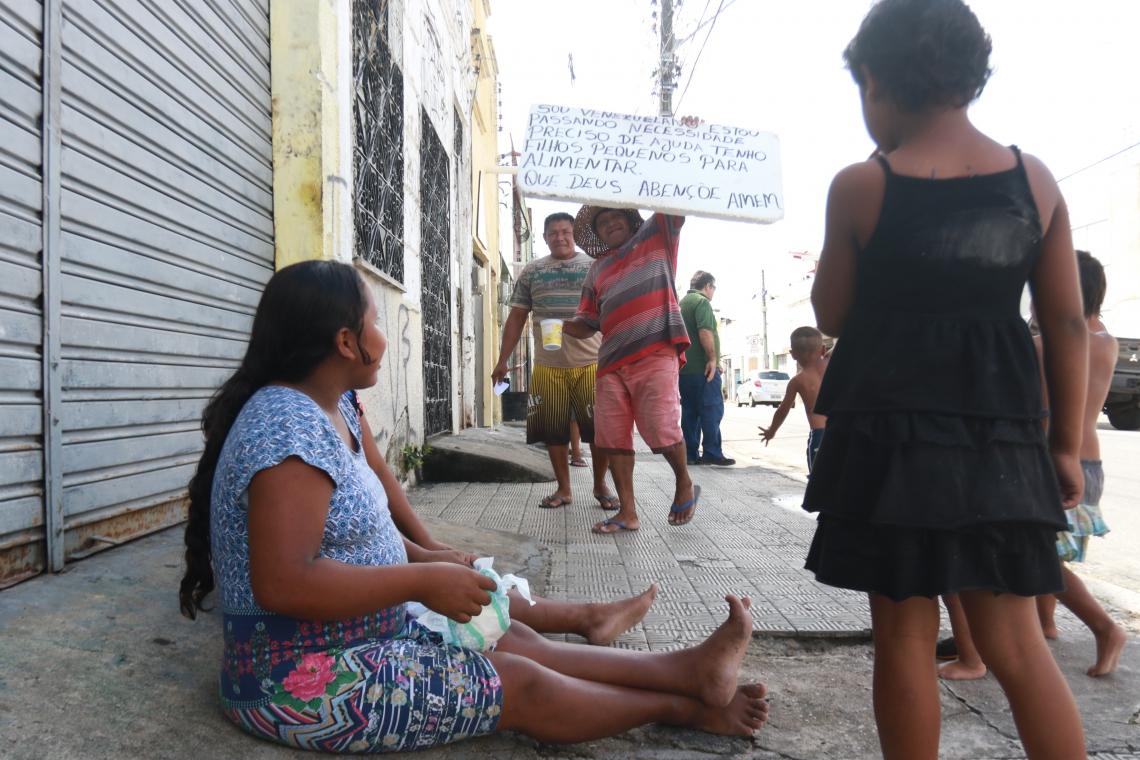 Imigrantes venezuelanos chegaram na Capital na última quinta-feira, 16, em busca de melhores condições de vida.