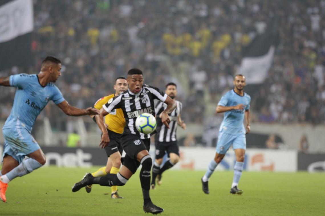 Bergson foi titular diante do Grêmio