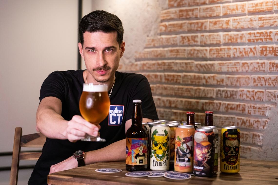 Jon Valverde recebe nomes da cidade para workshop de cervejas