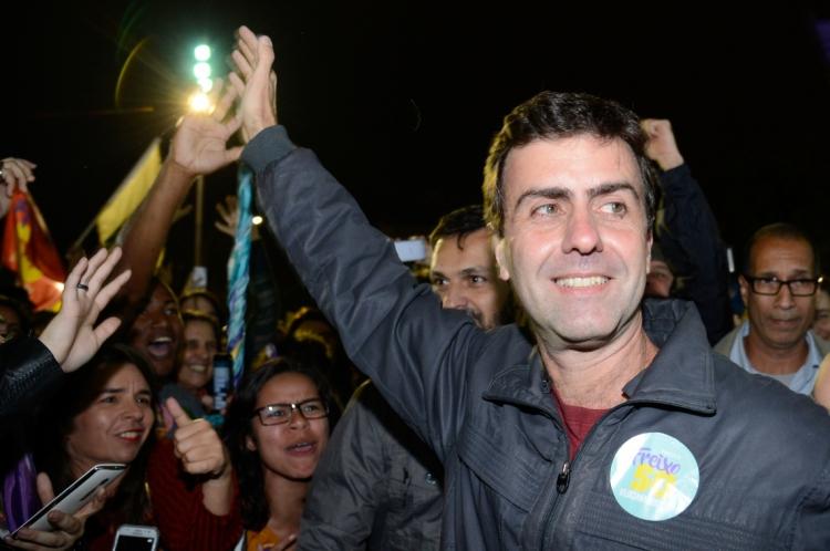 No entanto, o presidente nacional do PDT, Carlos Lupi, só aceita alianças em que a deputada estadual Martha Rocha (PDT) seja a cabeça da chapa para a prefeitura.