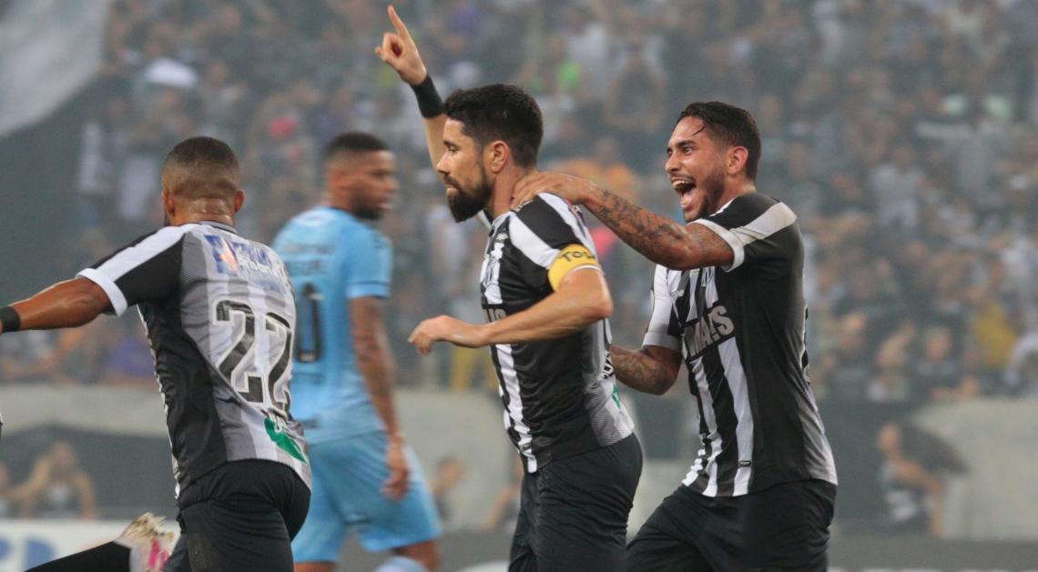 Ricardinho marcou na vitória de 2 a 1 sobre o Grêmio, no último domingo.