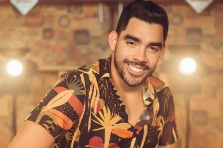 Cantor Gabriel Diniz, do hit