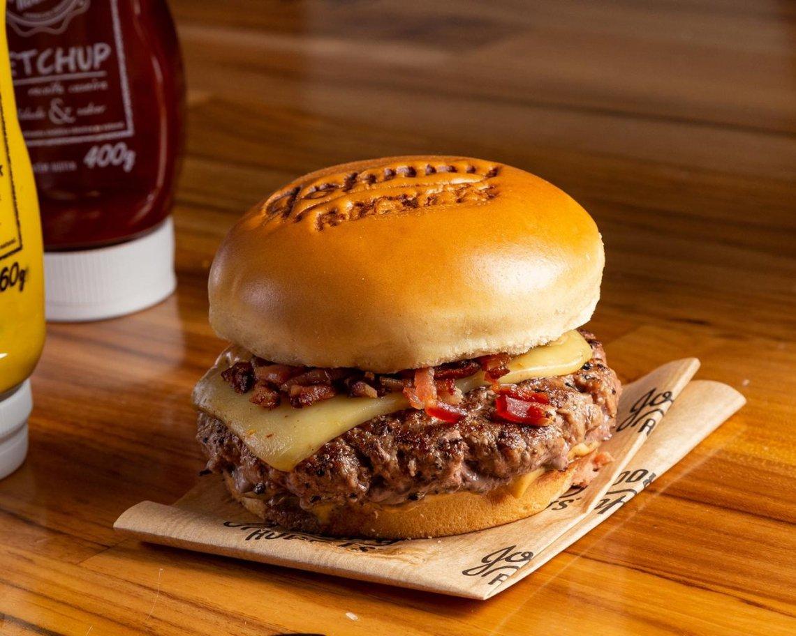 """A Johnny Rockets oferece opção exclusiva para o Dia do Hambúrguer, o """"Johnny Burgers"""" (R$ 20)"""