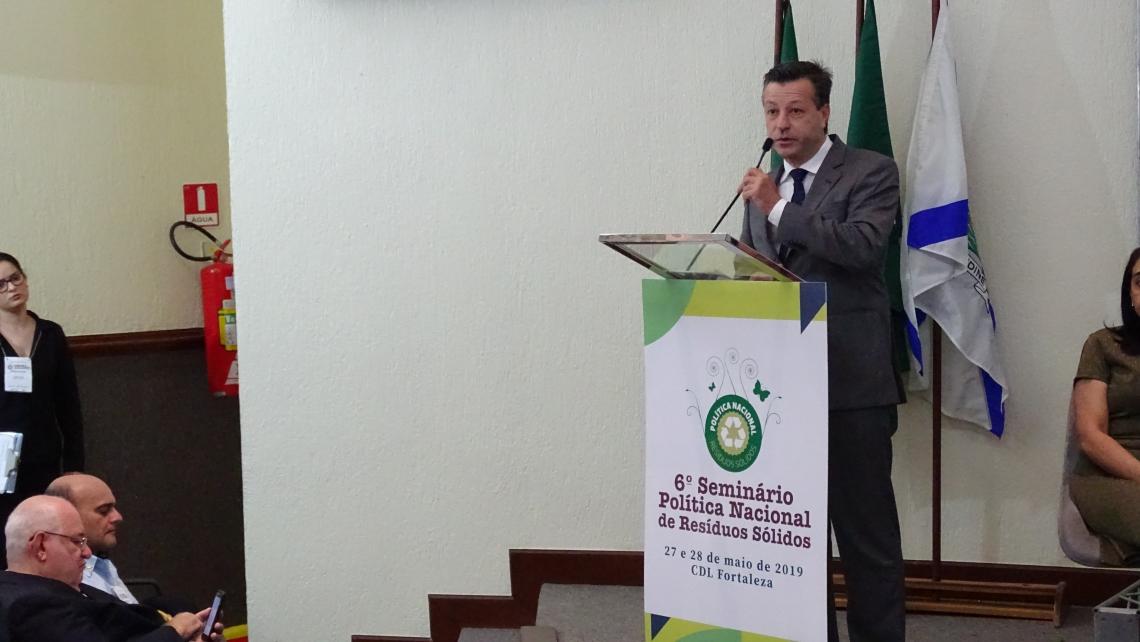 O PRESIDENTE da Arce, Fernando Franco, discursou na abertura do seminário