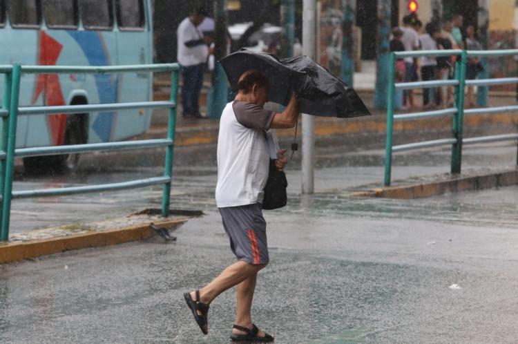 Fortaleza registra chuva forte nesta manhã. Foto tirada em maio deste ano.