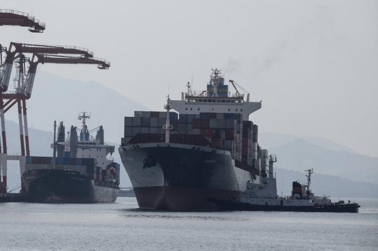 O navio com contêineres foi enviado pelo Canadá para as Filipinas para o transporte do lixo