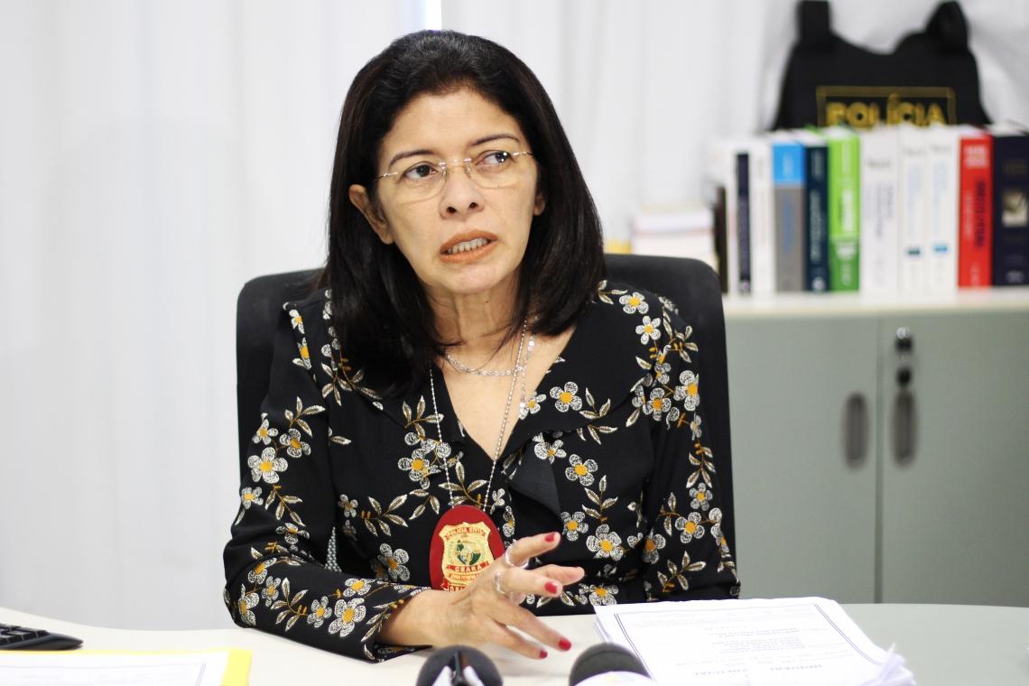 FORTALEZA, CE, BRASIL. 03-06-2019: Coletiva de imprensa na Delegacia da 2ªDP sobre roubos em supermercados na Aldeota (personagem: Socorro Portela, delegada titular.