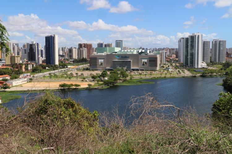 Shopping RioMar Fortaleza fica em frente à lagoa do Papicu